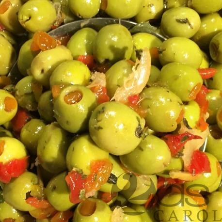 Olives verte farcies à la pâte de Poivron